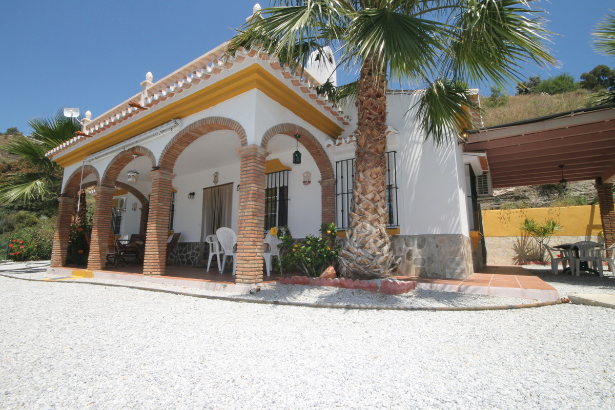 Arenas, Malaga Este, Independent house with rustic land  House with rustic land in Las Arenas with i,Spain
