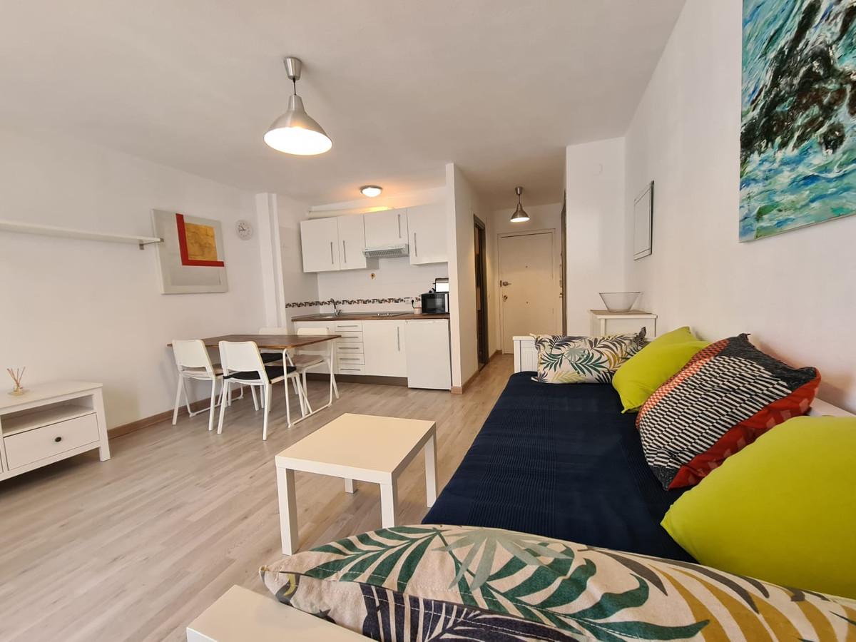 Opportunity in Caleta de Velez, studio in urbanization with pool !! Renovated and bright studio loca,Spain