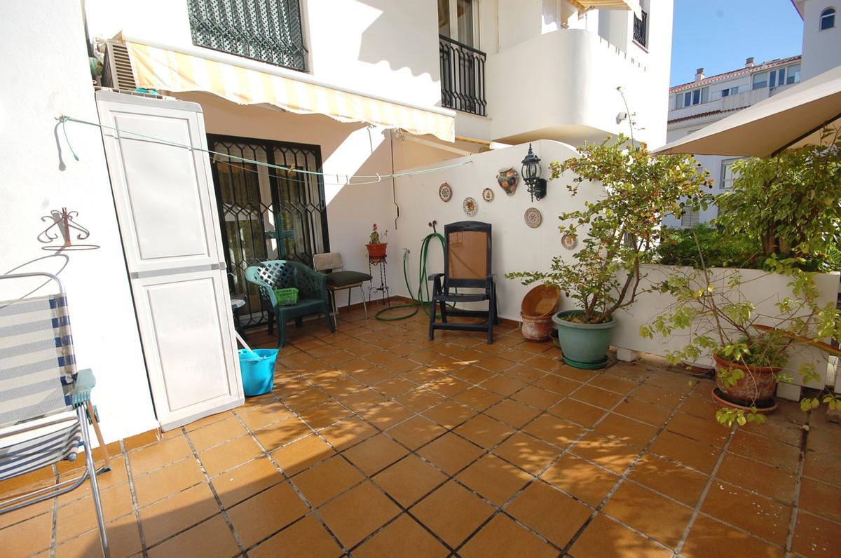 Stueetagelejlighed i La Carihuela R3596993