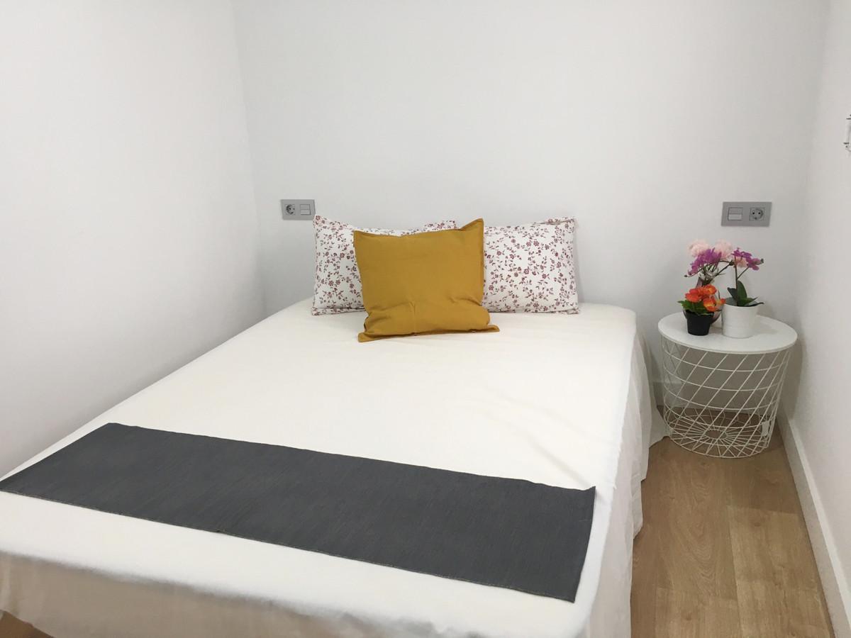 2 Bedroom Middle Floor Apartment For Sale Málaga