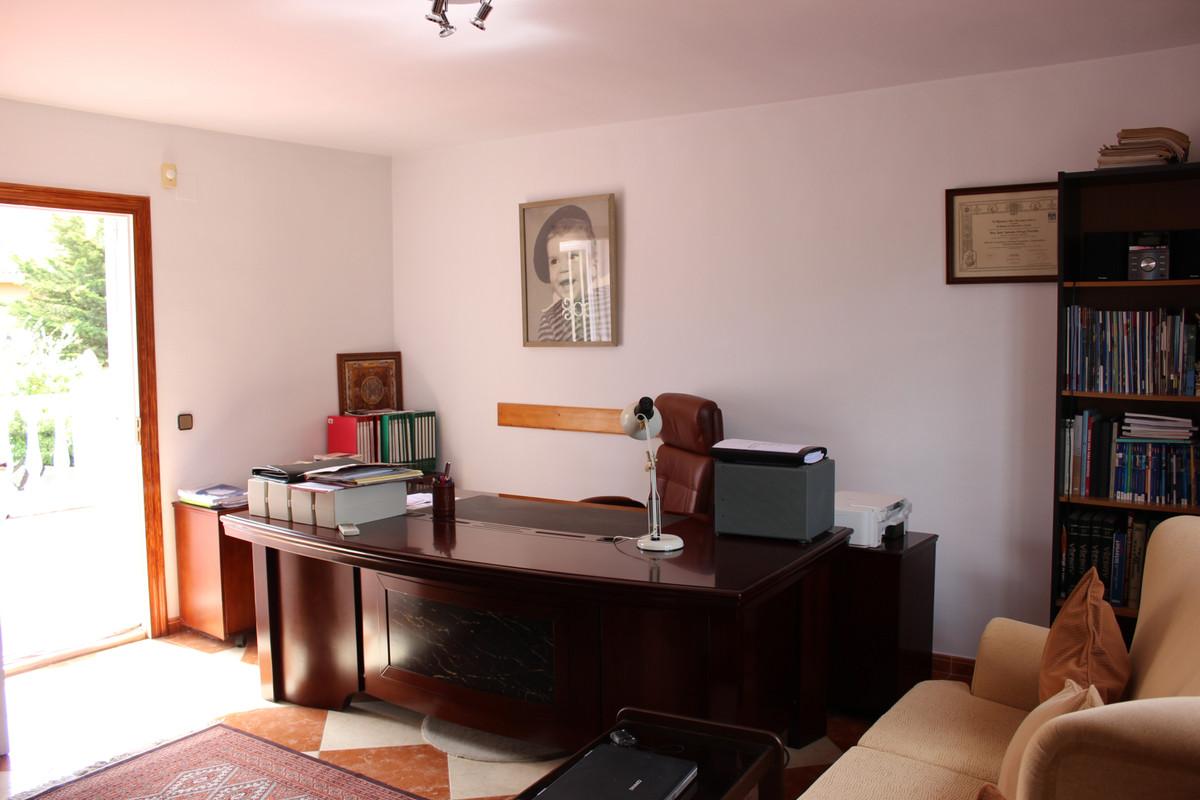 House en Alhaurín de la Torre R3688931 46