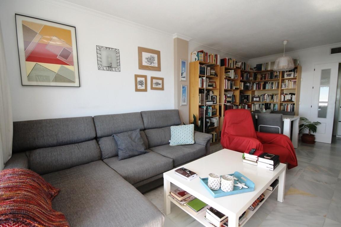 3 bedroom apartment in Marbella  Beautiful apartment of 107 m2 in the Miraflores area of Marbella. I,Spain