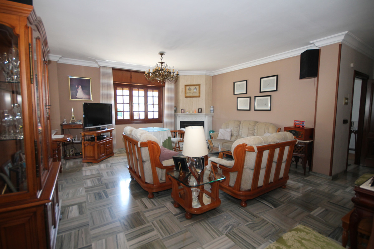 Velez Malaga, Malaga Este, semi-detached house  Townhouse in Velez Malaga distributed over 4 floors ,Spain