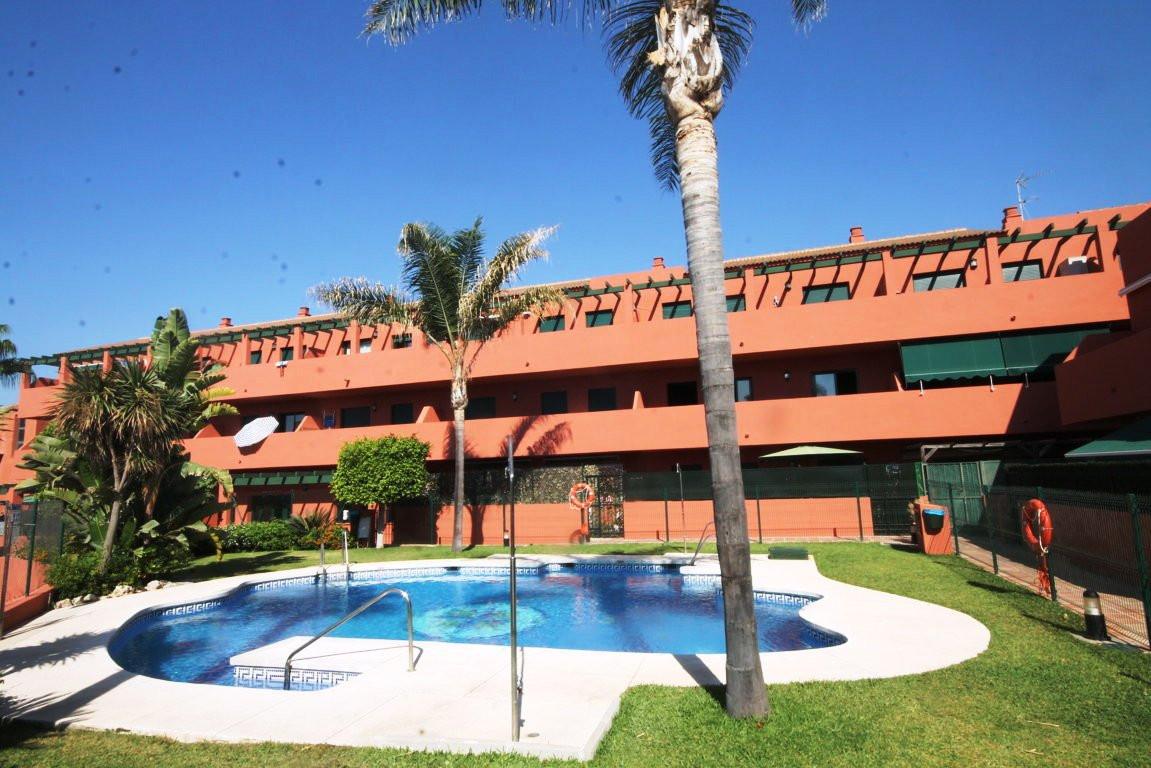 Piso Planta Media en Casares Playa R2958125