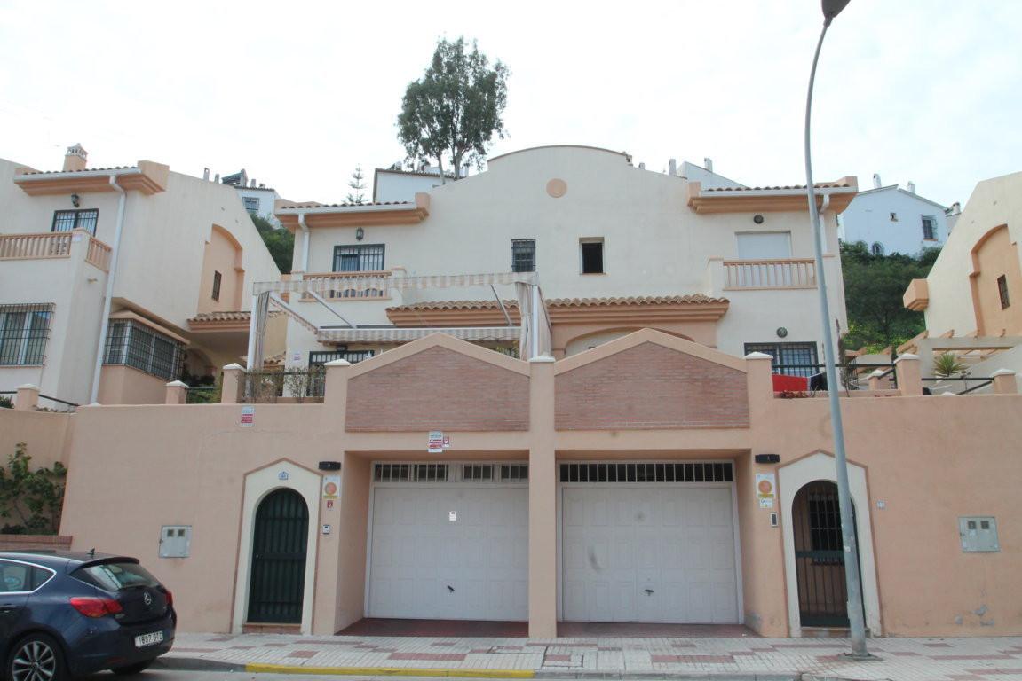 Limoneros, Rincon de la Victoria, Malaga Este, semi-detached house  Great opportunity. Semi-detached,Spain