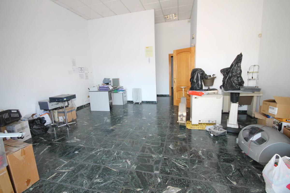 Cortijo Alto, Teatinos, Malaga, local  COMMERCIAL PREMISES FOR SALE AND RENT. Commercial premises av,Spain