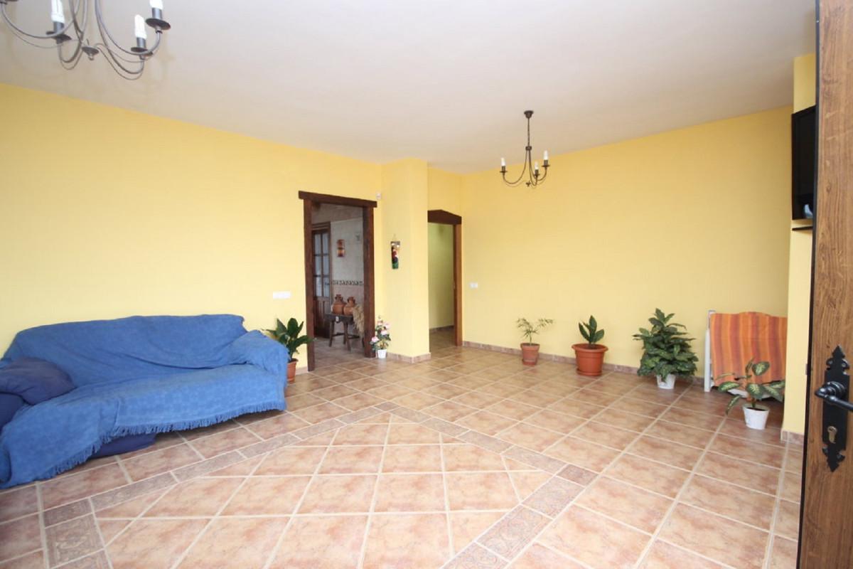 Hus in Almogía R3408124 14