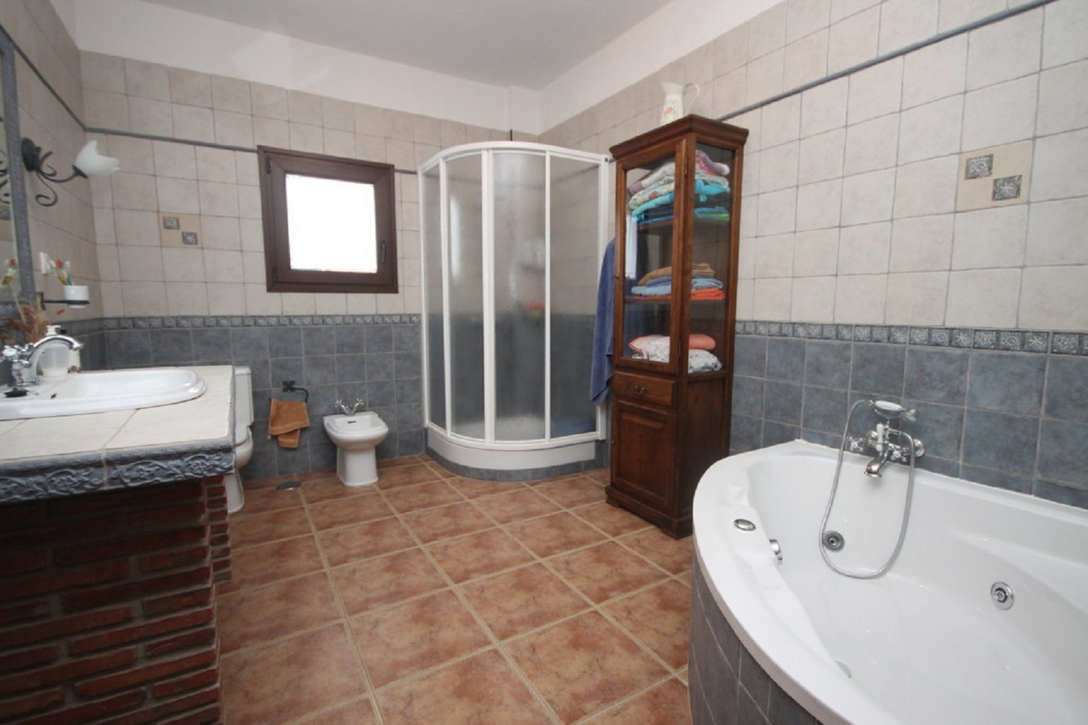 Hus in Almogía R3408124 18