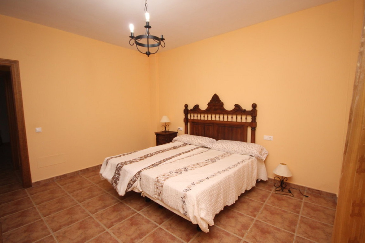 Hus in Almogía R3408124 19