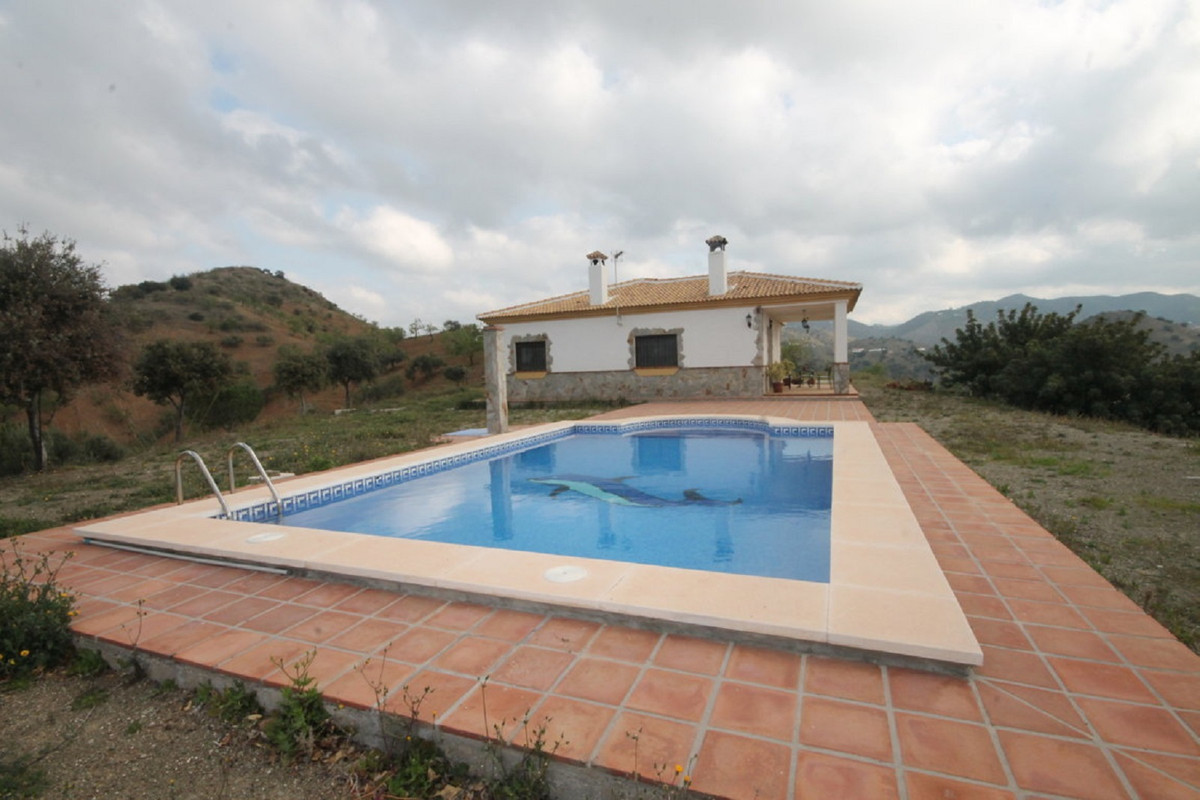 House en Almogía R3408124 2