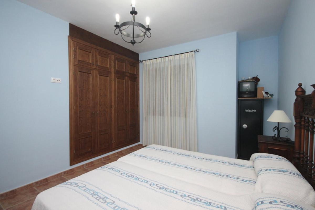 House in Almogía R3408124 21