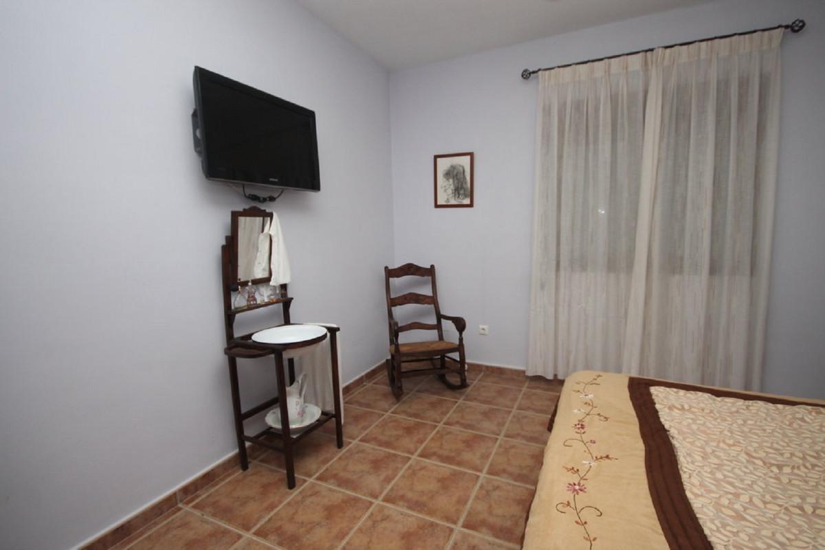Hus in Almogía R3408124 23
