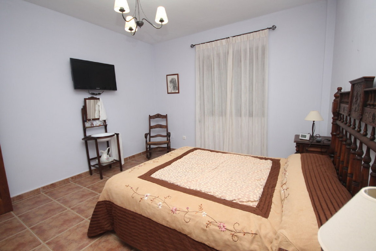 House in Almogía R3408124 26