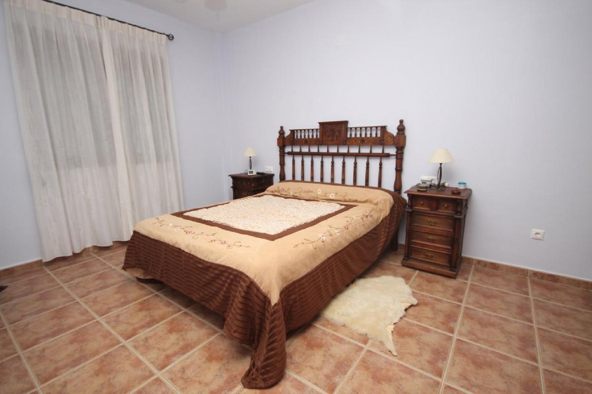 Hus in Almogía R3408124 27