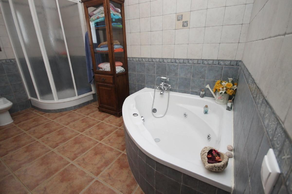 Hus in Almogía R3408124 28