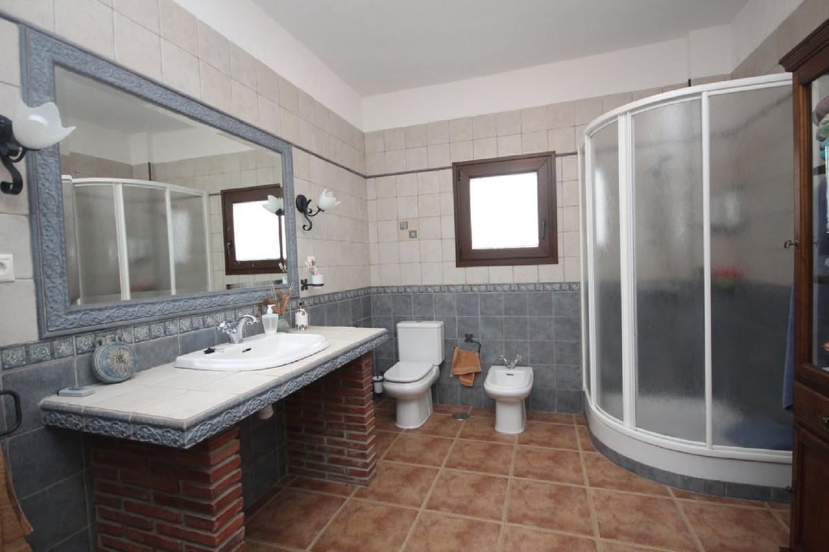 Hus in Almogía R3408124 30