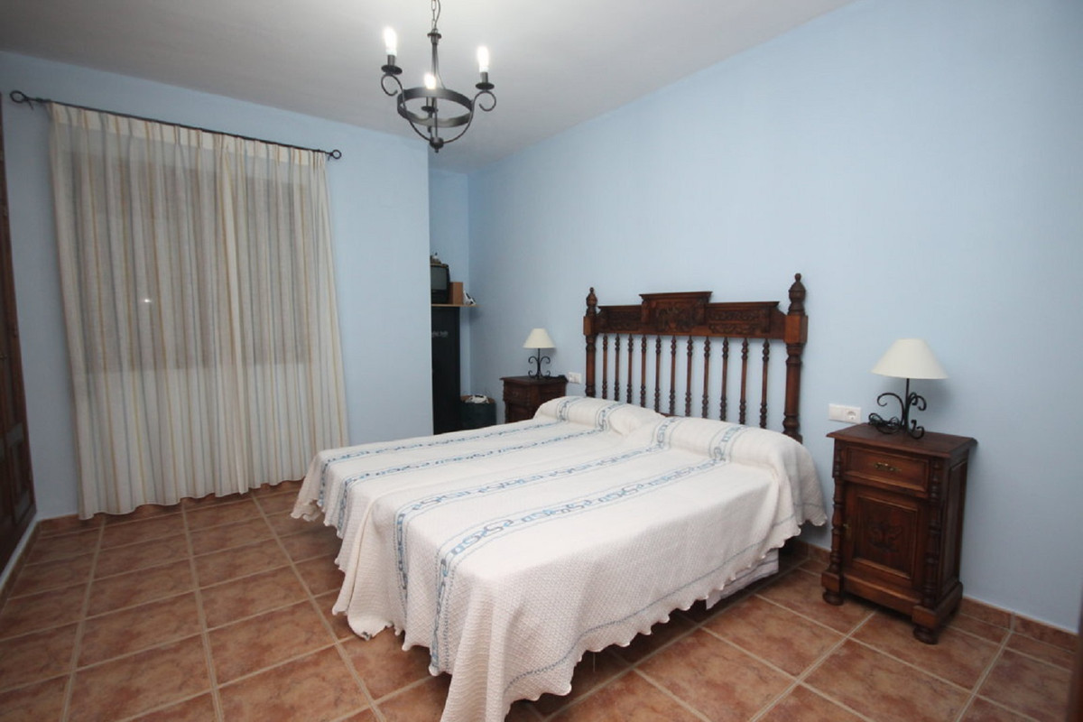 House in Almogía R3408124 32