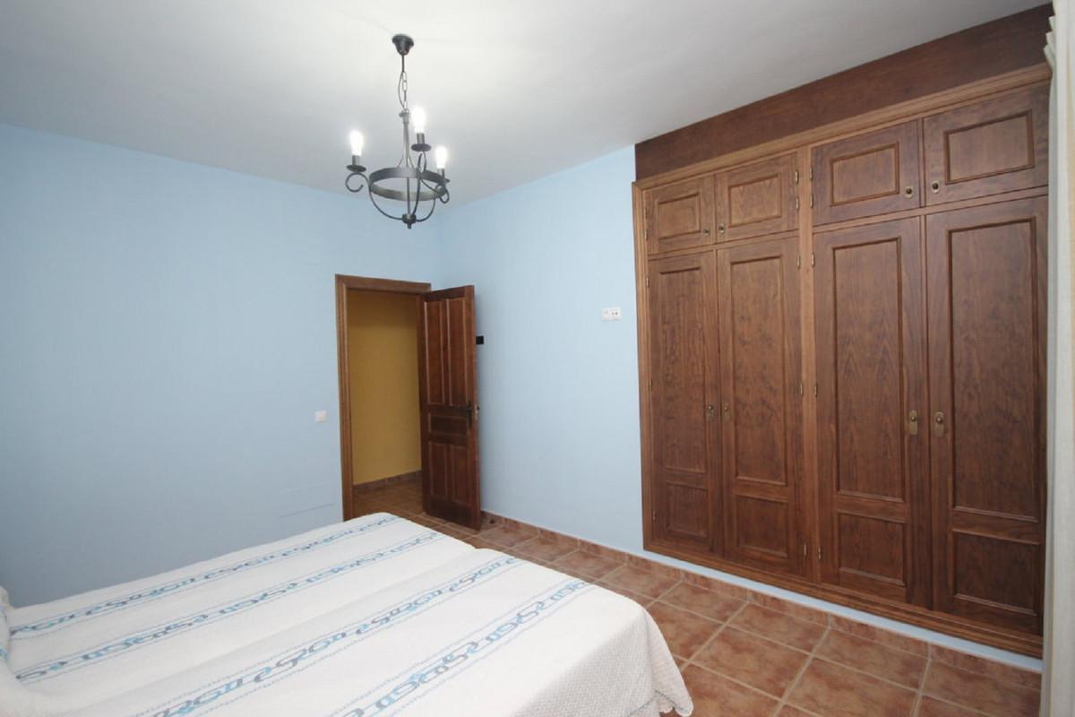 Hus in Almogía R3408124 33