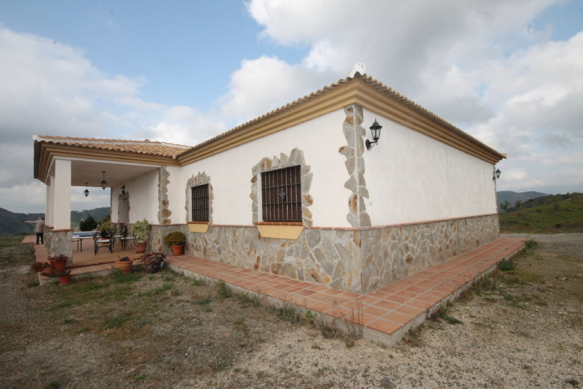 House en Almogía R3408124 39