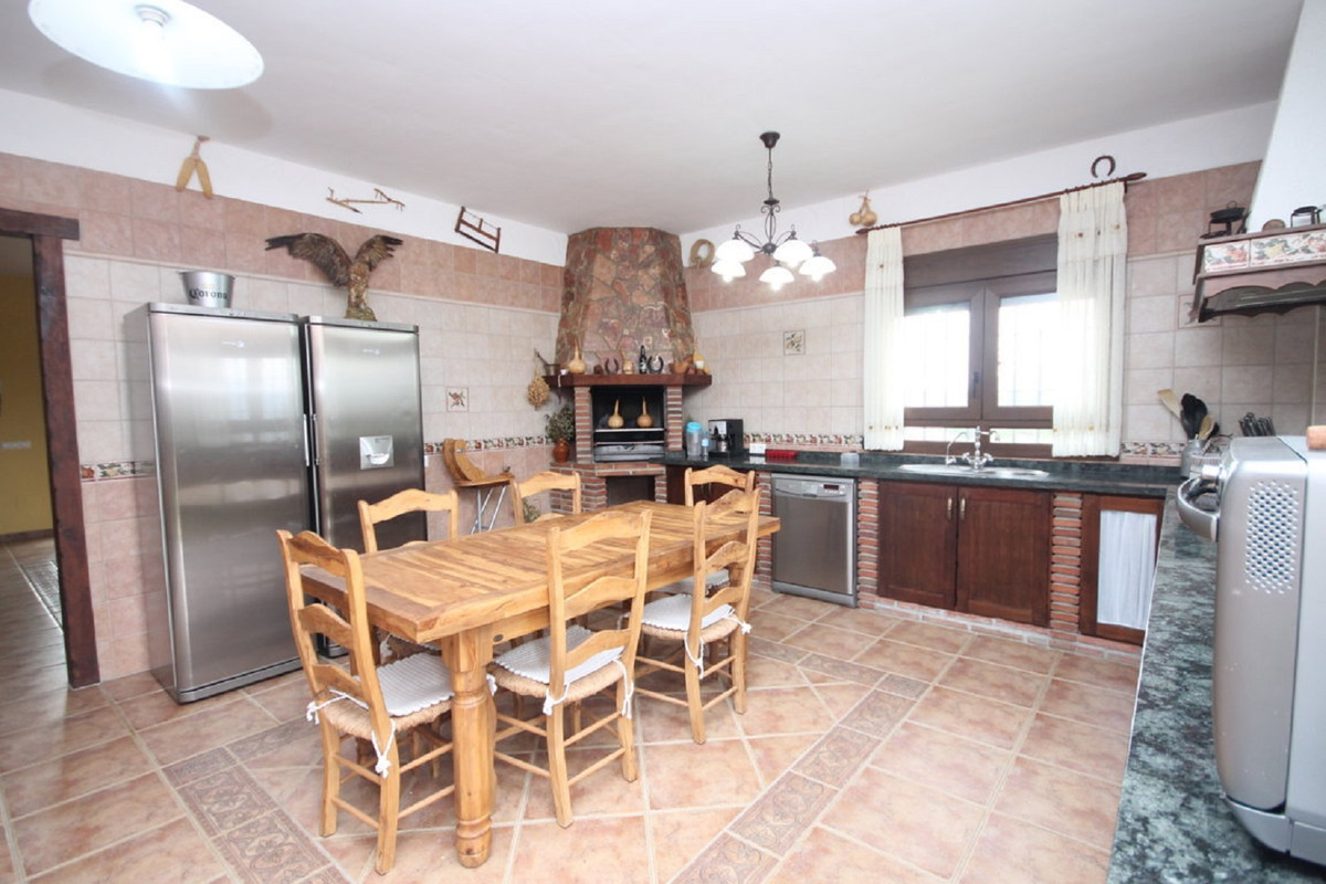 House in Almogía R3408124 4