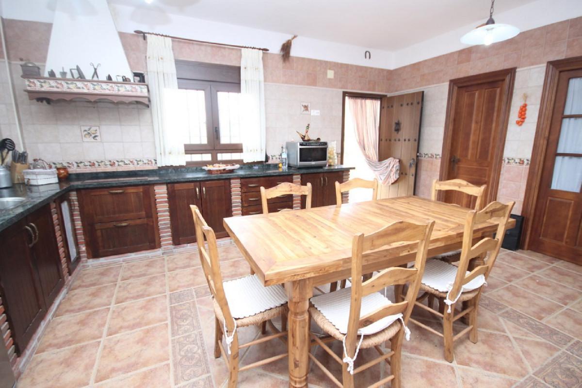 House en Almogía R3408124 7