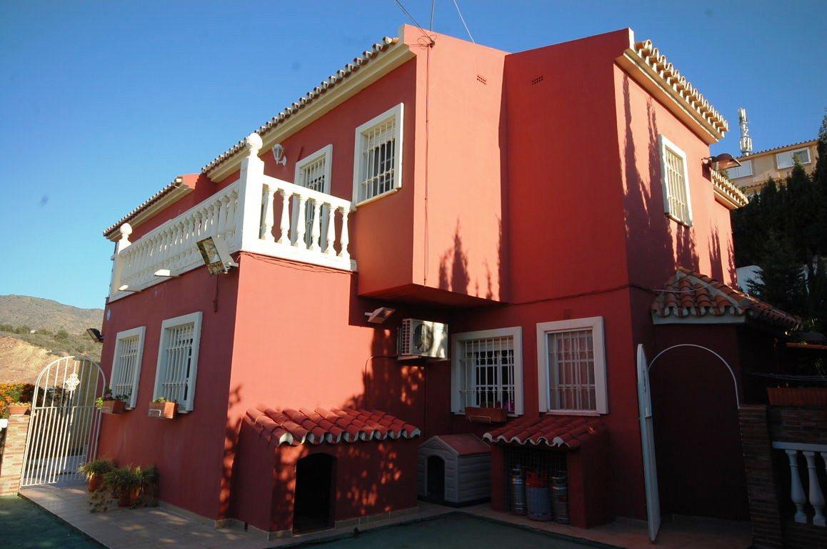 Rincon de la Victoria, Malaga East, Detached house  Great Opportunity, Villa qualities of luxury at ,Spain
