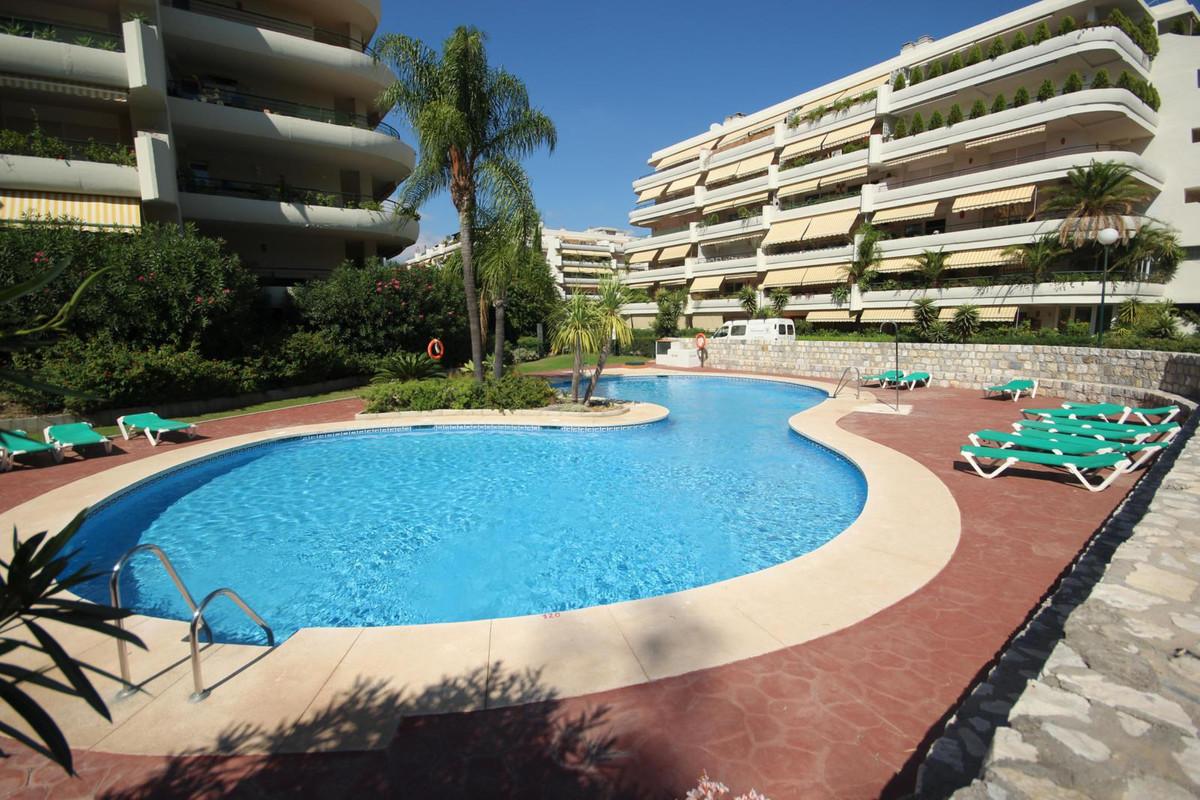Leilighet - mellometasje i Guadalmina Alta R3018229