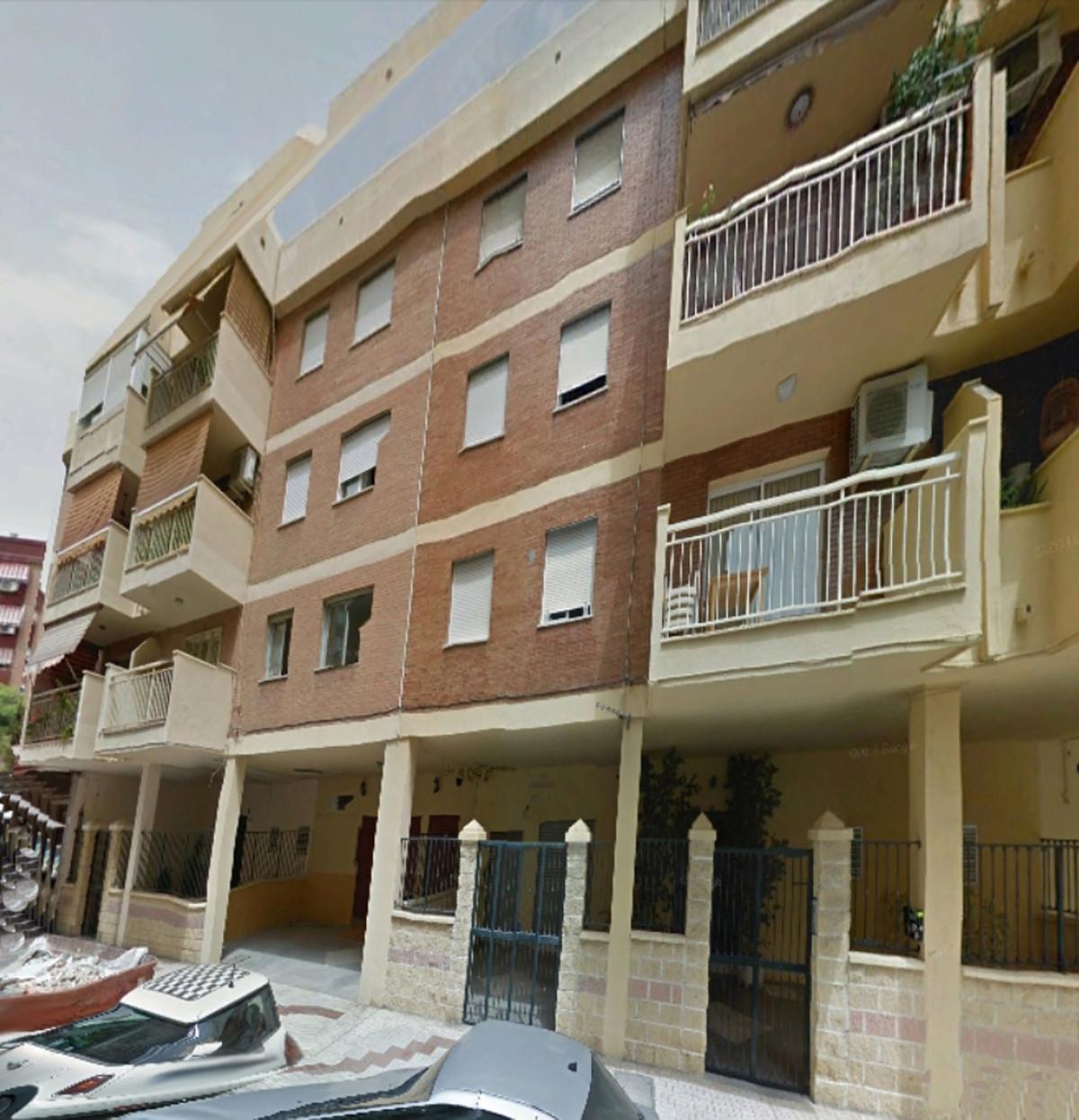 Middle Floor Apartment, Cruz Humilladero, Costa del Sol. 4 Bedrooms, 2 Bathrooms, Built 117 m².  Set,Spain