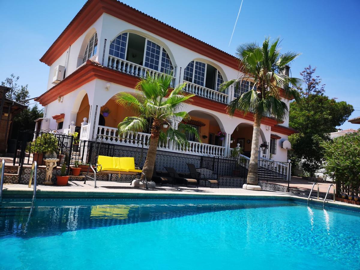 Calle Ronda, Alhaurin de La Torre, Malaga, Villa  Fabulous independent villa ready to move into, loc,Spain