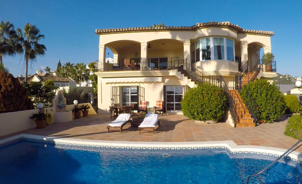 Villa con 5 Dormitorios en Venta Los Arqueros
