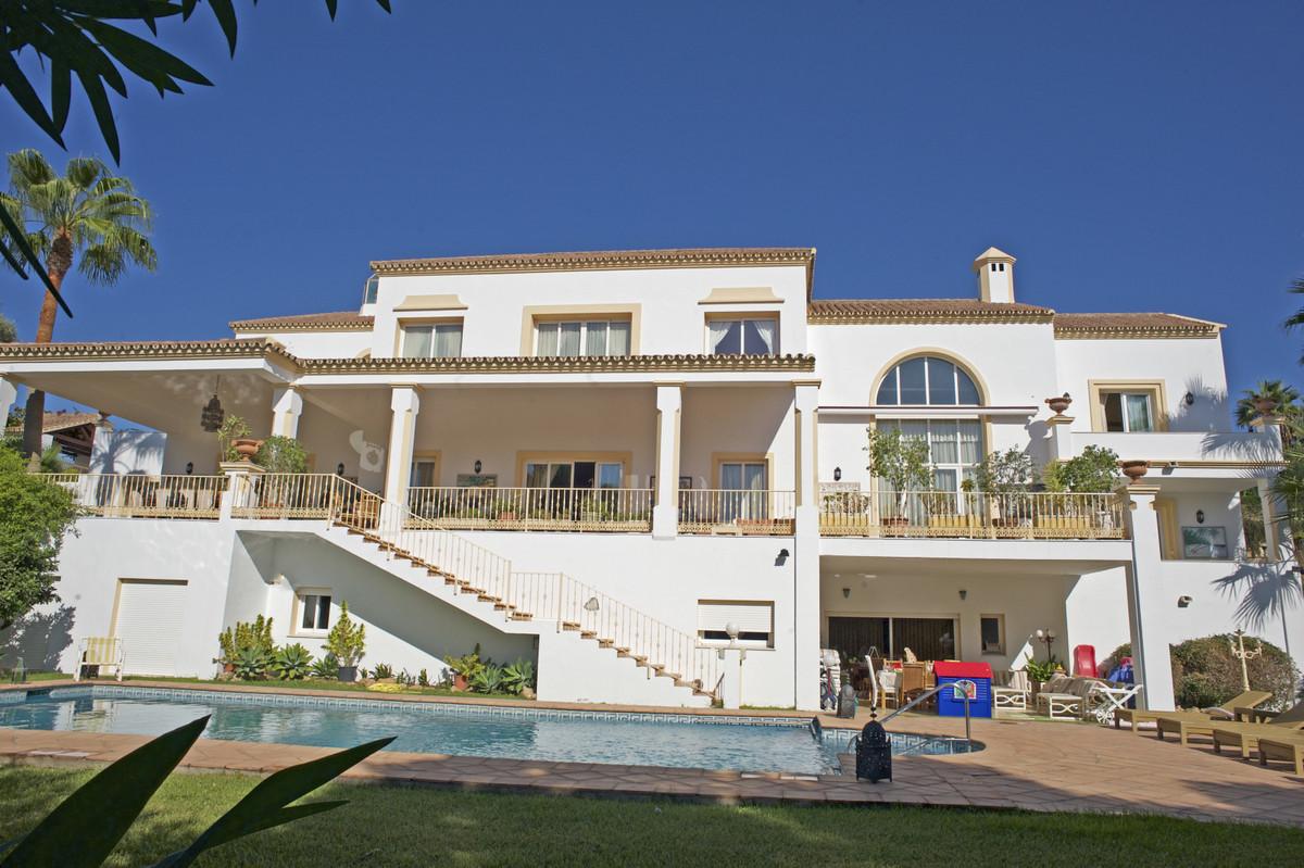 Villa zu verkaufen in El Paraiso R3520423