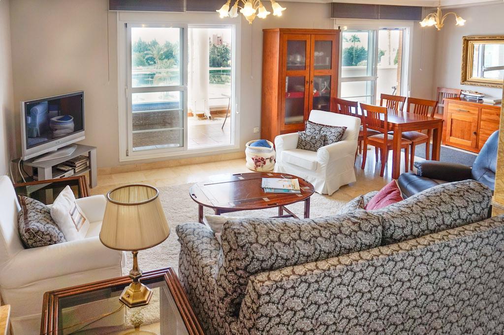 Apartamento con 4 Dormitorios en Venta New Golden Mile