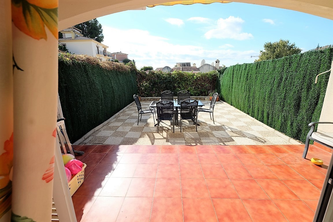 BEAUTIFUL TOWNHOUSE IN URB LA PERLA, 3 BEDROOMS , 3 BATHROOMS.  LARGE  PATIO WITH SUN ALL DAY, COMUN,Spain