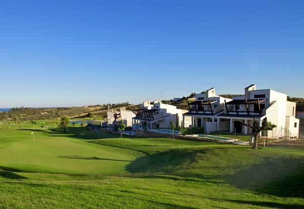 Semi-Detached House, Estepona, Costa del Sol. 4 Bedrooms, 4 Bathrooms, Built 277 m², Terrace 15 m², ,Spain