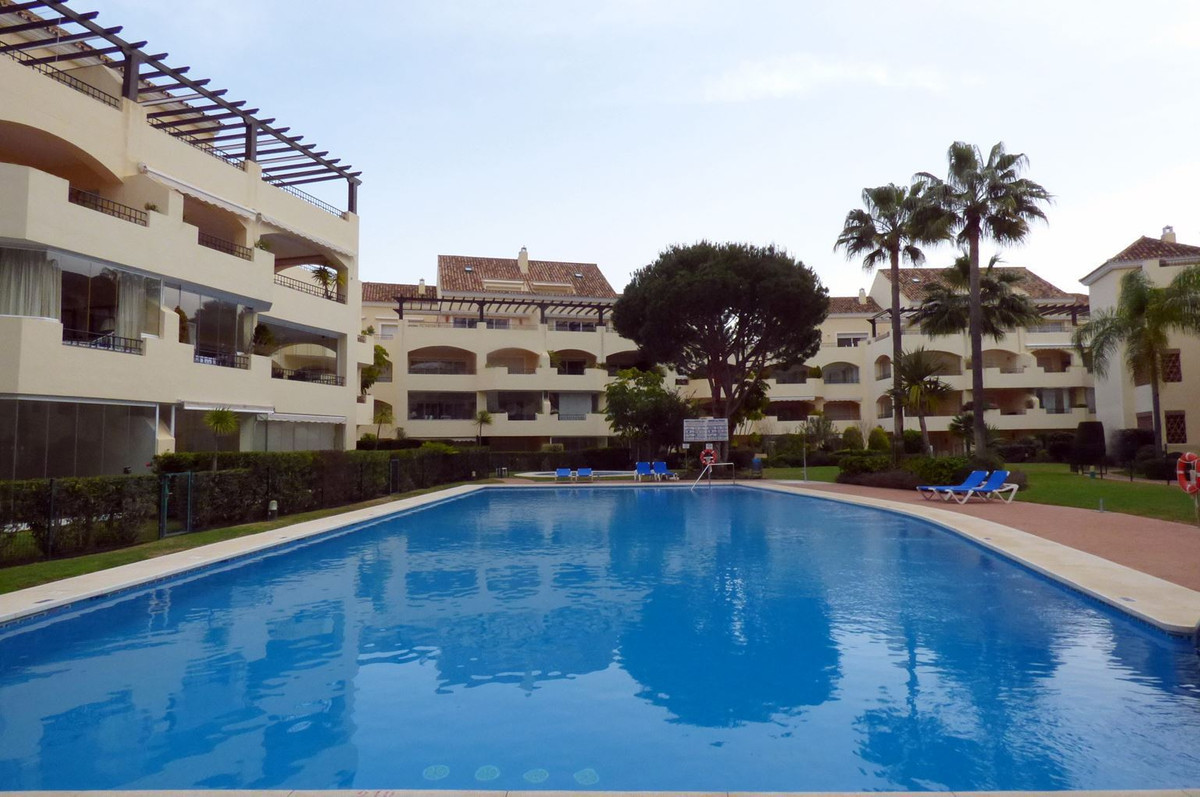 Middle Floor Apartment, Elviria, Costa del Sol. 2 Bedrooms, 2.5 Bathrooms, Built 117 m², Terrace 45 ,Spain