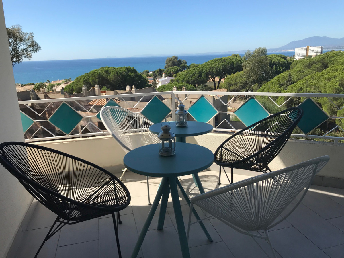 Apartment  Penthouse for sale  and for rent  in Las Chapas