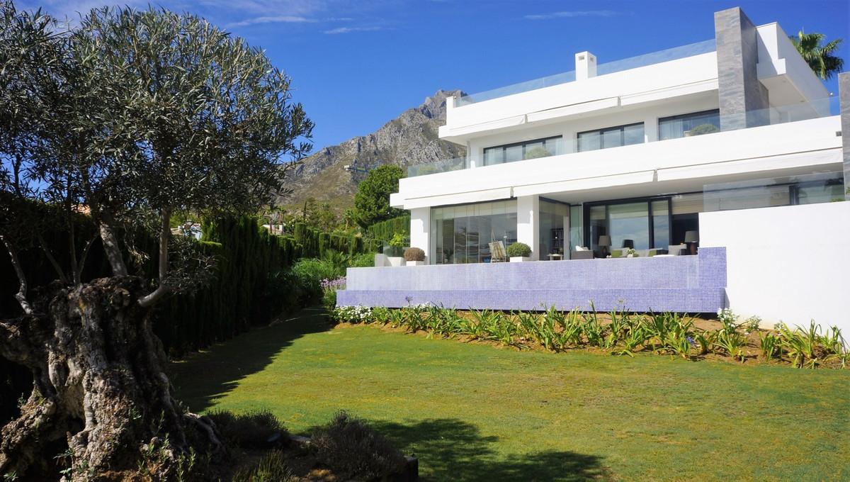 Detached Villa for sale in Nagüeles R2763383