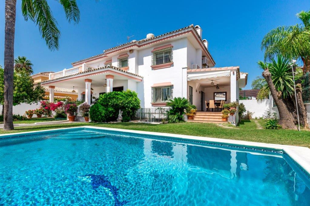 Detached Villafor sale in San Pedro de Alcantara, Marbella, Spain  Walk to the beach and restauran,Spain