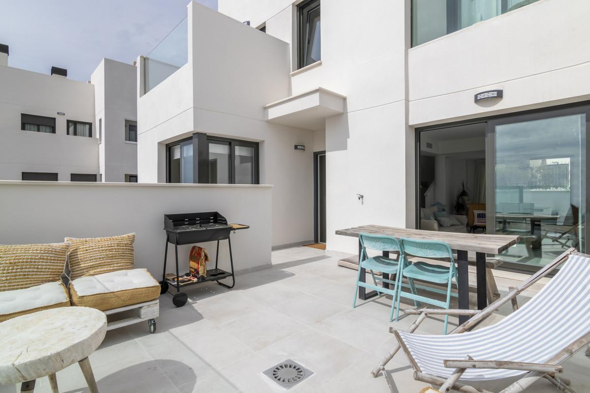 Townhouse, Benalmadena, Costa del Sol. 4 Bedrooms, 3.5 Bathrooms, Built 0 m².  Setting : Suburban, C,Spain