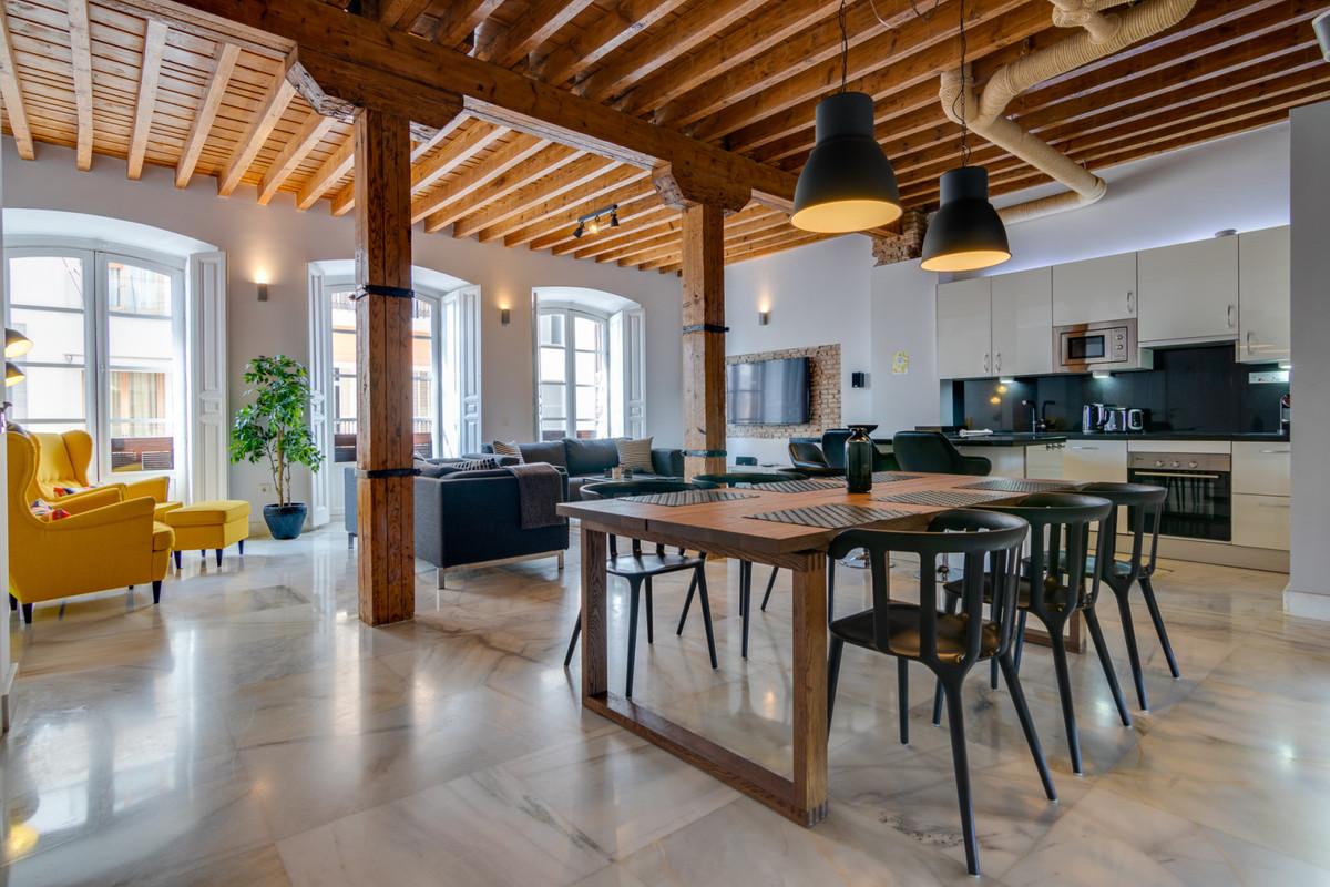 Apartament na środkowym piętrze w Málaga Centro R3500140