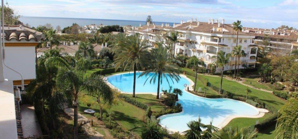 Ground Floor Apartment, Nagueles, Costa del Sol. 4 Bedrooms, 3 Bathrooms, Built 120 m², Terrace 40 m,Spain