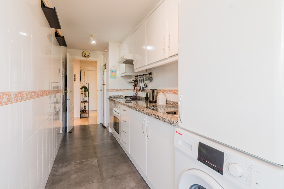 Apartamento con 2 Dormitorios en Venta Torrequebrada