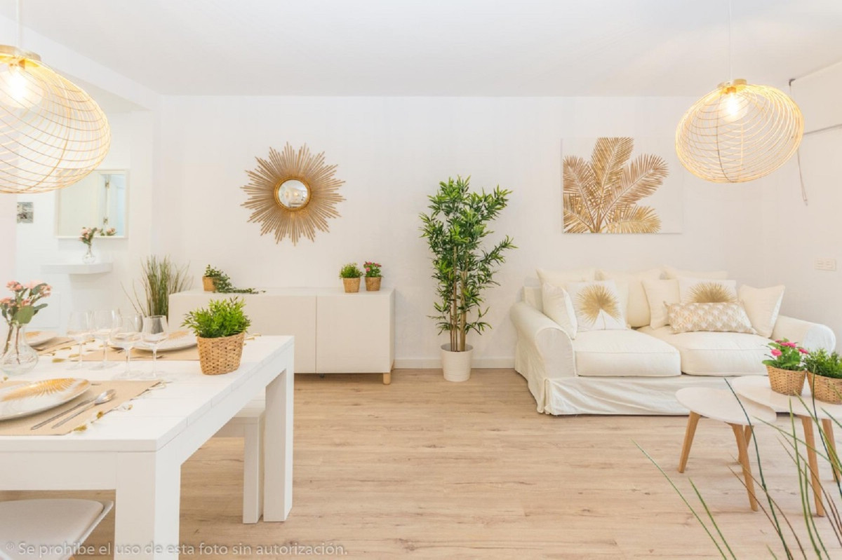 Fantastic opportunity! Modern apartment in excellent condition with 2 bedrooms and 2 bathrooms facin,Spain