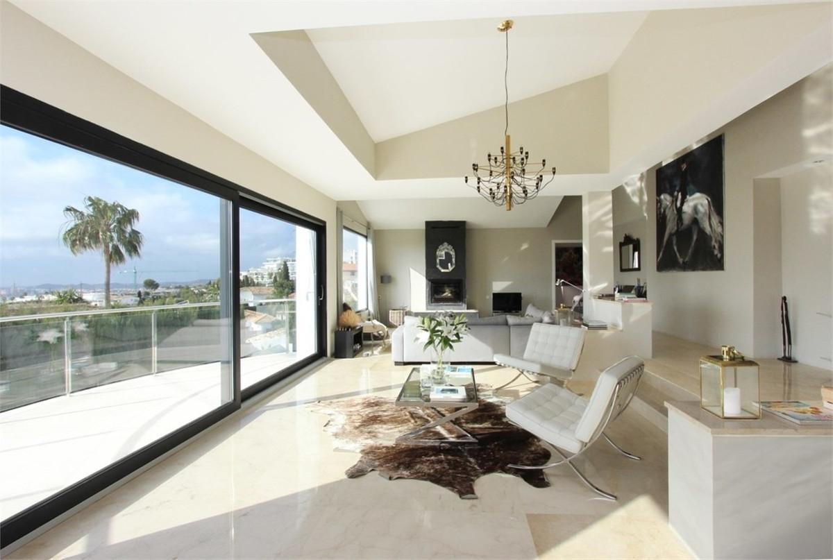 Detached Villa for sale in La Capellania R3370144
