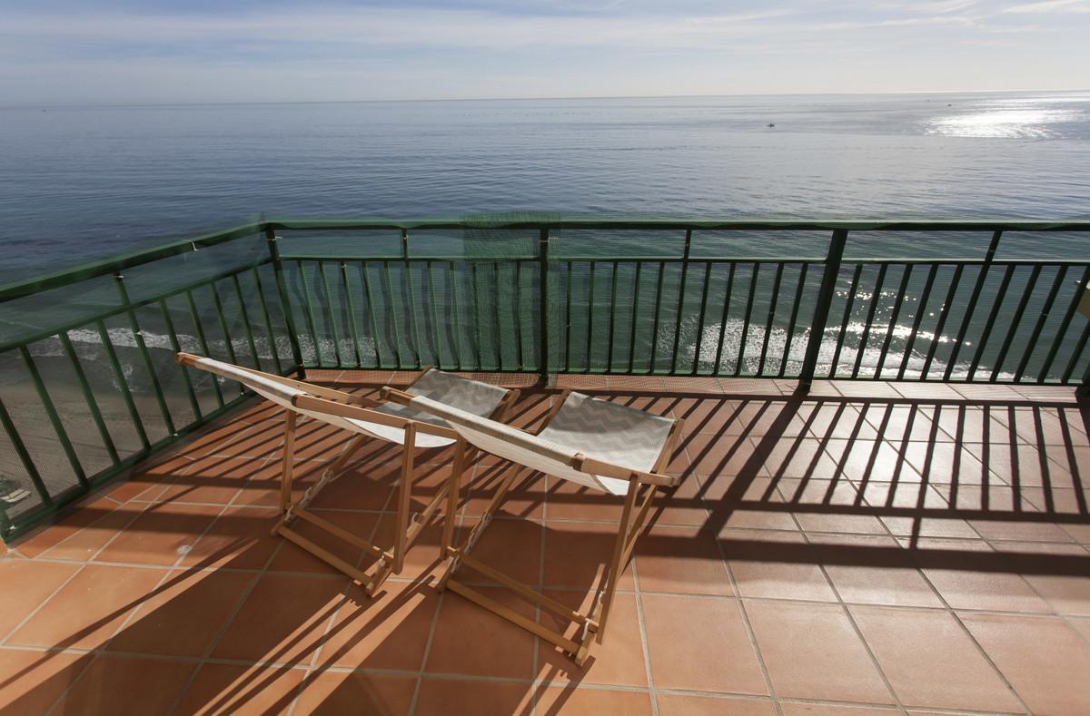 Lägenhet på mellanplan i Carvajal R3318430