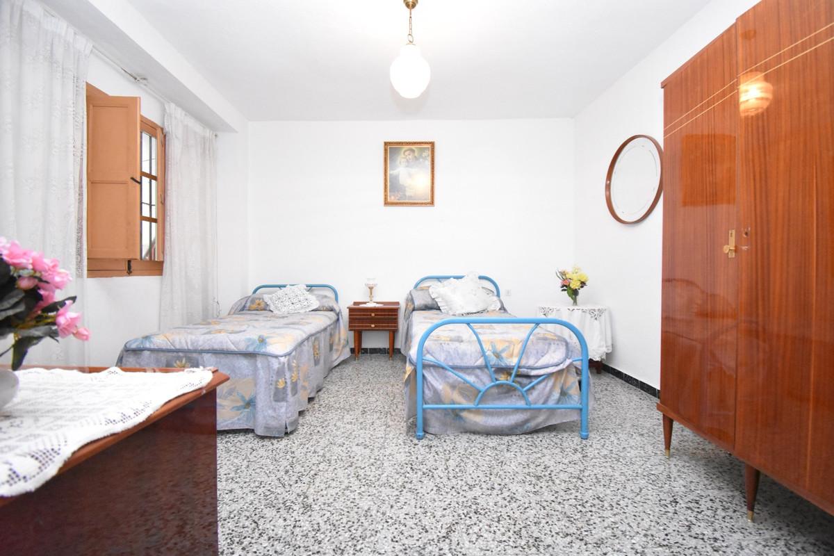 Unifamiliar con 5 Dormitorios en Venta Mijas
