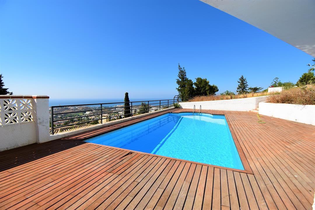 Detached Villa, Benalmadena, Costa del Sol. 6 Bedrooms, 3.5 Bathrooms, Built 320 m², Terrace 20 m², ,Spain