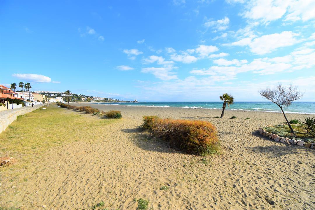 Apartamento Ático en Casares Playa, Costa del Sol