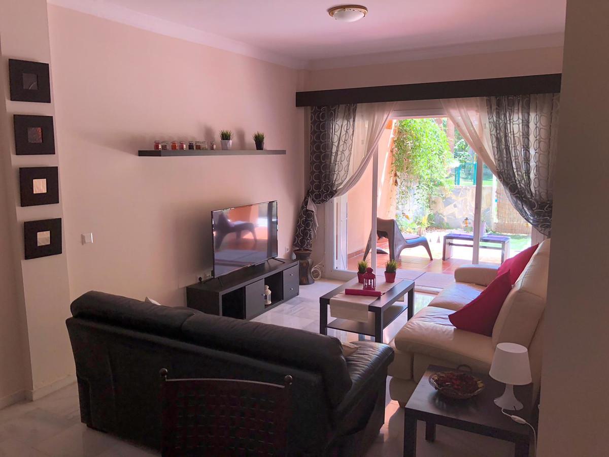 Appartement  Rez-de-chaussée en vente   à Las Chapas