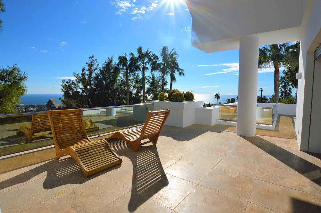 Detached Villa for sale in The Golden Mile R3069805